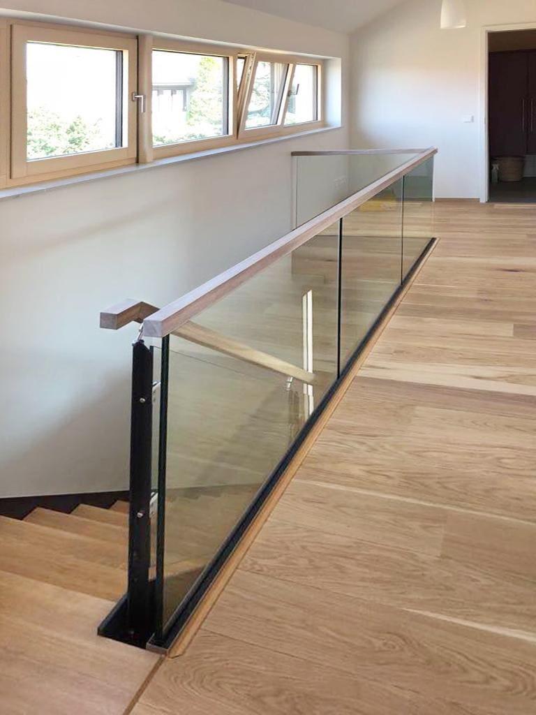 HPL-Treppe mit Glas